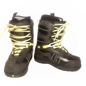 Vans Shoes - Van's Hi Standard snow boarding boots, 7 WIDE